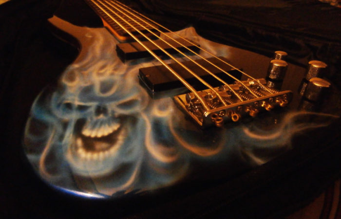 Screaming Skull 5 string Bass